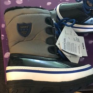 totes Shoes - Totes toddler boots waterproof size 9 toddler boys